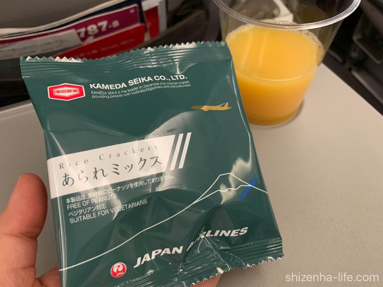 JAL国際便おやつ亀田製菓あられミックス