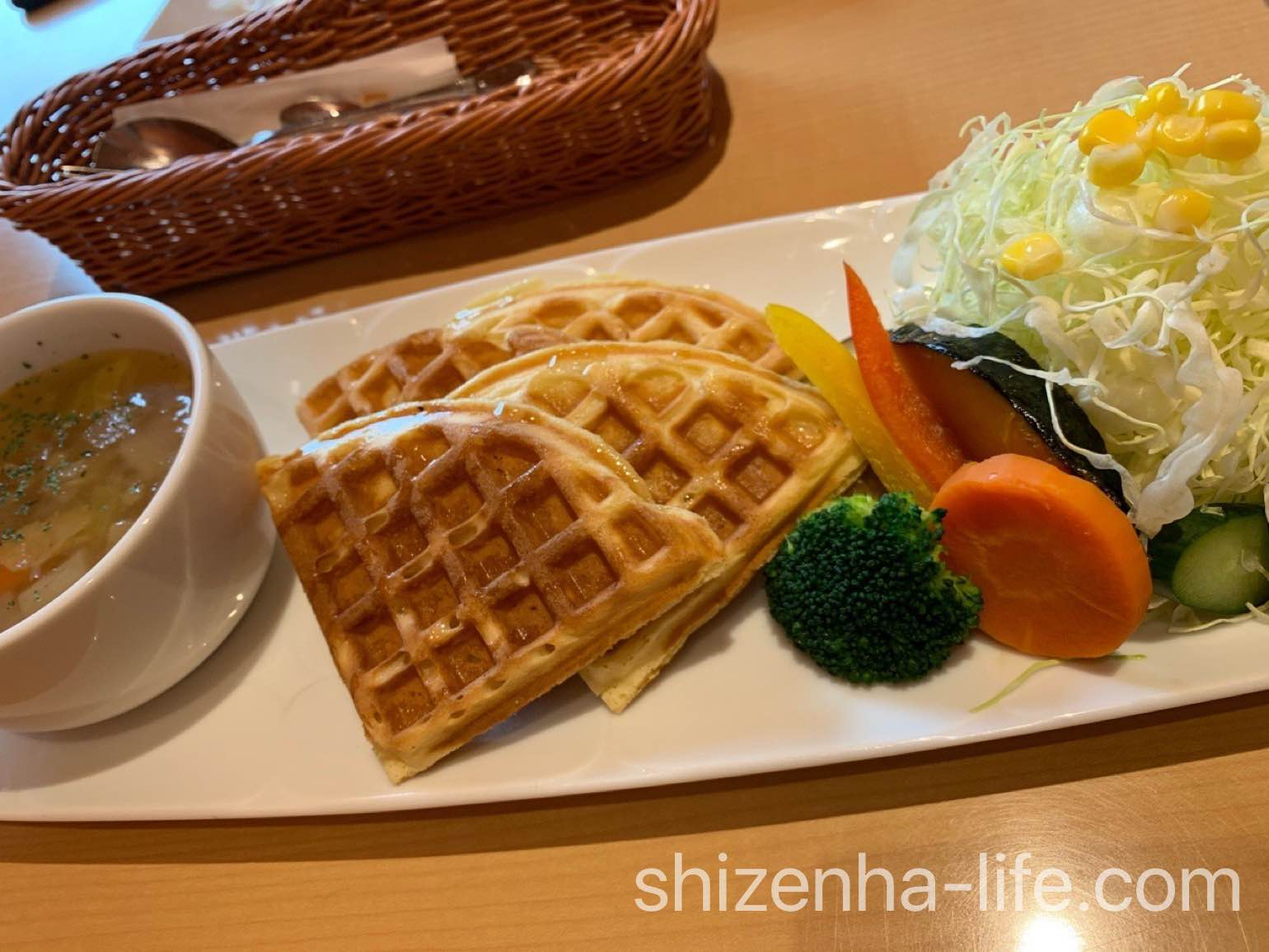 ponpon cafe ワッフルランチ